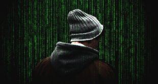 Dane może wykraść ładowarka do laptopa. Wirusy na Androida pojawiają się co 7 sekund. IBM, złośliwy kod z SI odporny na antywirusy.