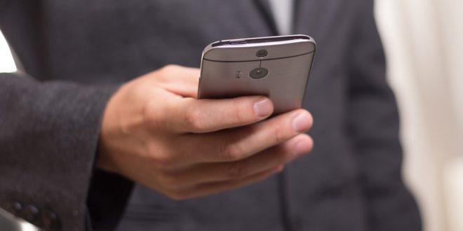 Uwaga na SMS-y z MediaMarkt, przesyłka. Iphone, luka listy kontaktów. Media społecznościowe i inwigilacja Pentagonu. E-mail i cyberprzestępcy