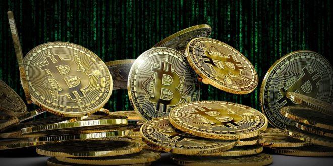 """""""Tylko szaleniec nie inwestuje w BTC"""". Sygnały, że kryptowaluty zyskają. Bitcoin ETF-y znów opóźnione. Blockchain w świecie luksusu"""