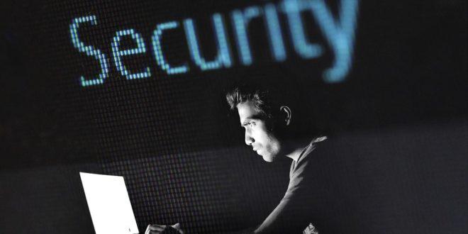 Hakerzy atakują Wikipedię. Ataki phisingowych na urządzenia Apple. Masz Androida uważaj na wirusa Joker kradnie pieniądze. Wirus Lilu, LINUX