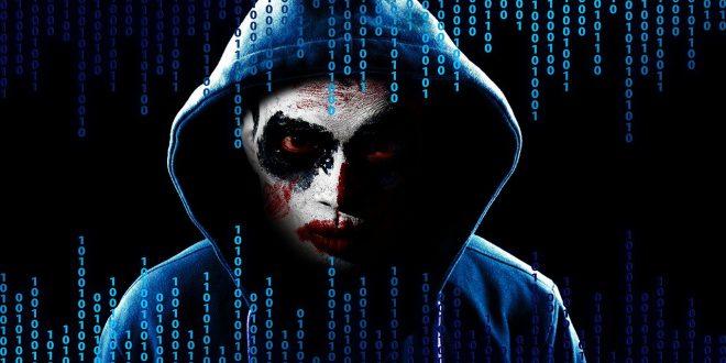 """Uwaga na te mobilne aplikacje,kradną dane. Facebookowi wciąż """"wyciekają"""" dane użytkowników. Jak wygląda stalking w sieci Złośliwe obrazy Dockera"""