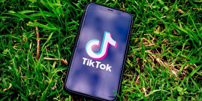 TikTok i WeChat zakazane w Stanach Zjednoczonych? TikTok trafi w ręce Oracle i Walmart. TikTok zapłaci 5 miliardów dolarów podatku…