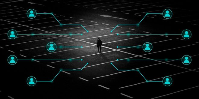 Ciemne strony social media. TikTok chce zakupów w aplikacji. Facebook: problem z prywatnością bedzie nareszcie naprawiony?